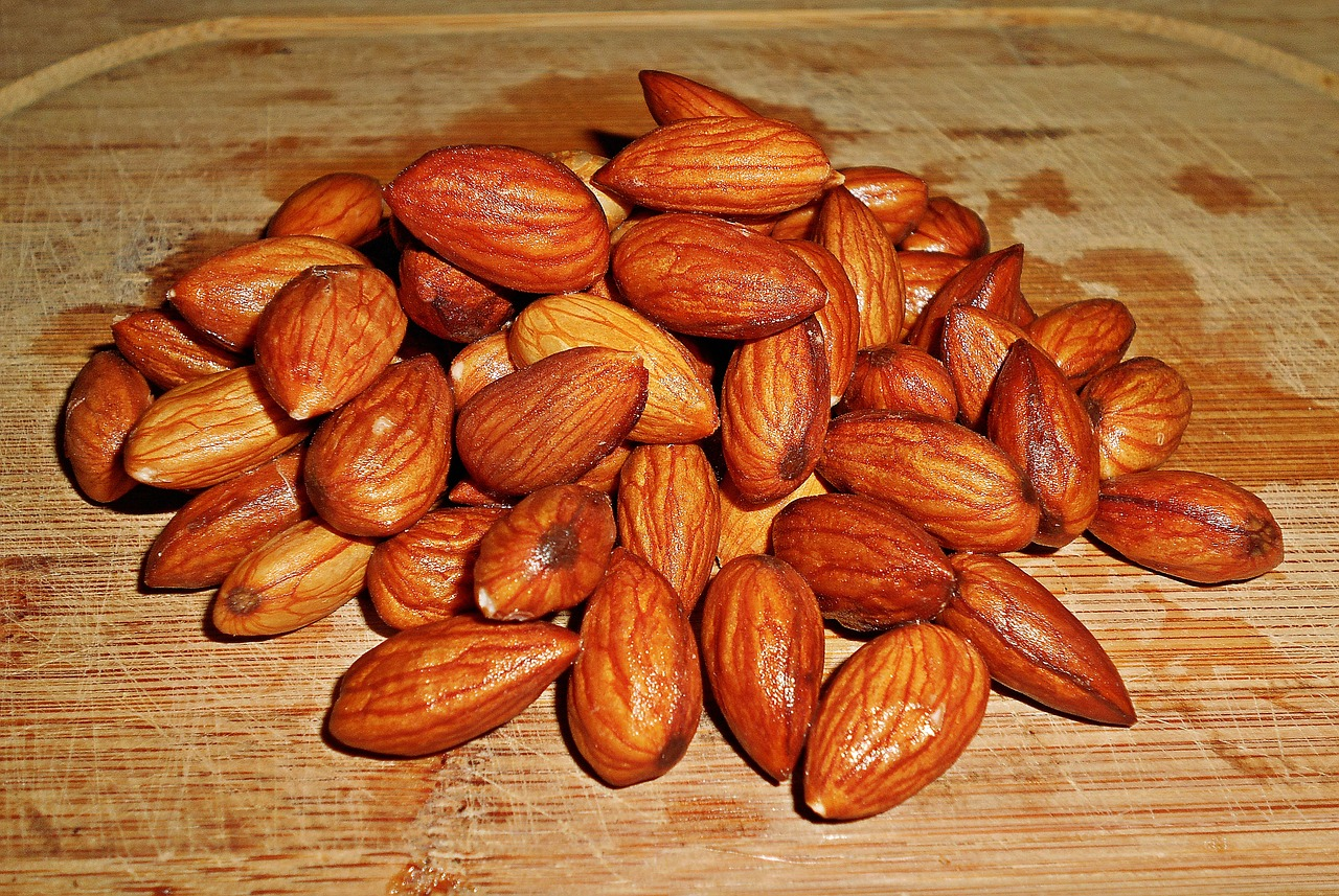 Almond - A to Z fruits and veg